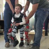 España ha creado el primer exoesqueleto infantil del mundo