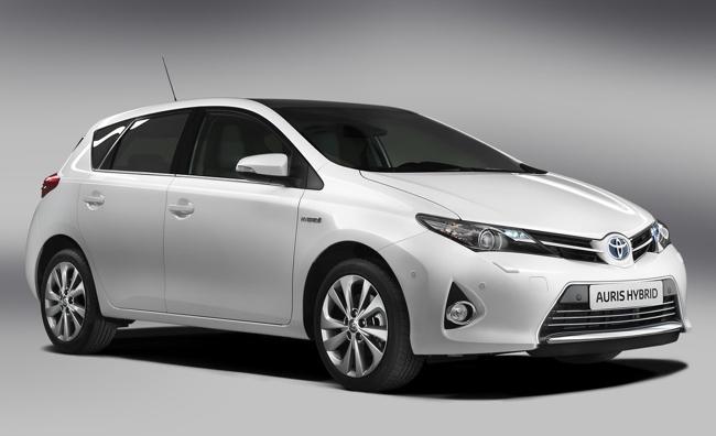 Toyota Auris Híbrido 2013 01