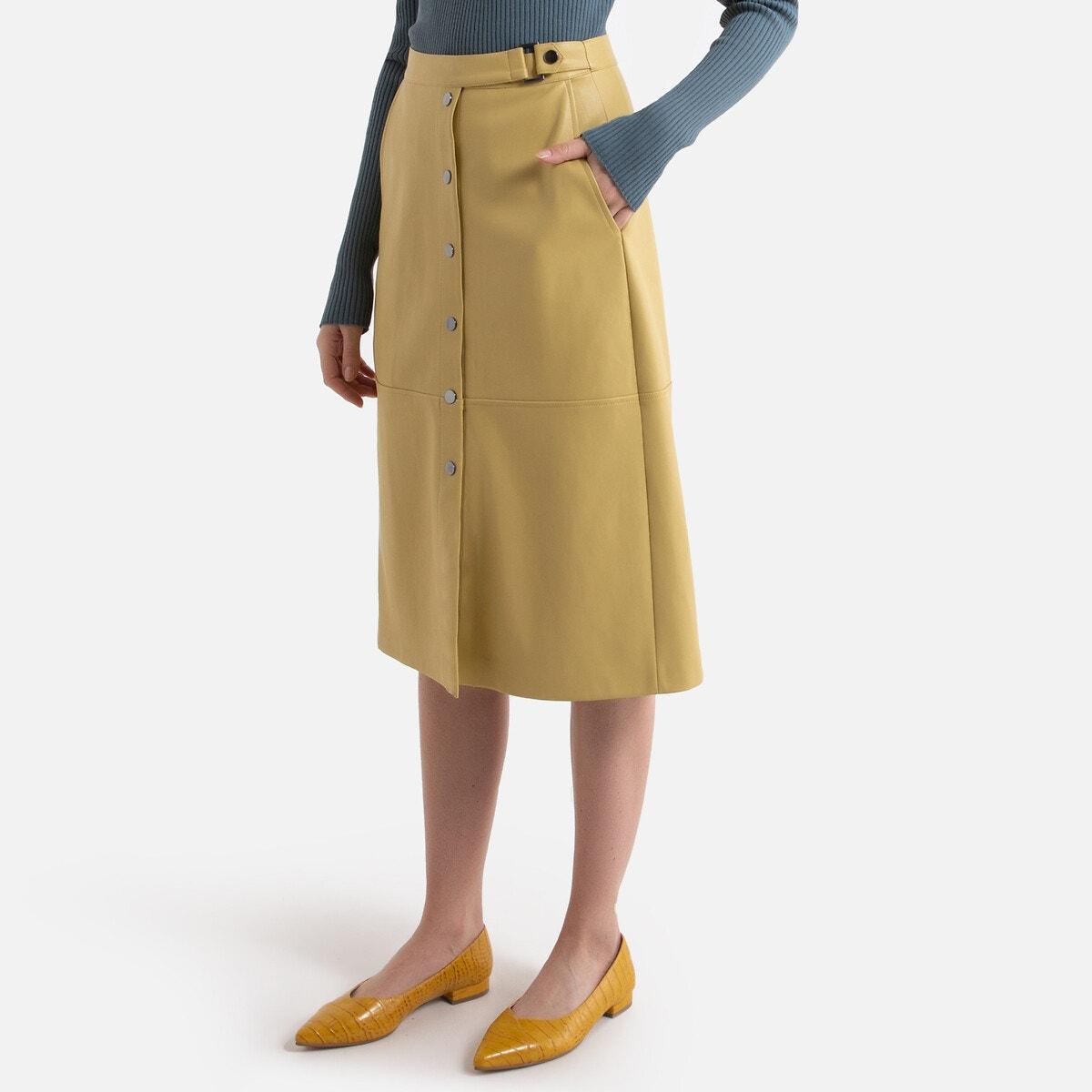 Falda recta abotonada de piel sintética