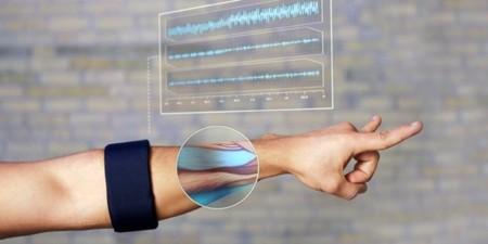 Intel da 14 millones de dólares a Thalmic Labs para desarrollar su pulsera de gestos