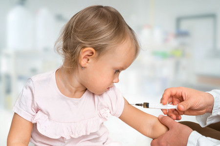 Sanidad informa las prioridades de vacunación en tiempos de coronavirus: bebés, embarazadas y pacientes de riesgo