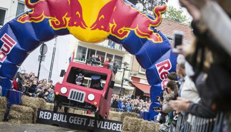 Red Bull Autos Locos busca participantes para el 31 de octubre en Barcelona