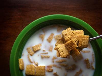 Las calorías y nutrientes de diferentes cereales de desayuno