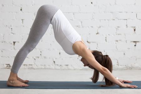 perro-boca-abajo-yoga-runners