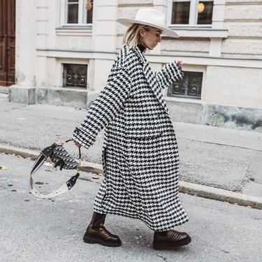 Cómo combinar un abrigo de pata de gallo (más allá del eterno total black)