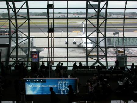 ¿Qué hacer si tu vuelo se ha cancelado por los atentados de Bruselas?