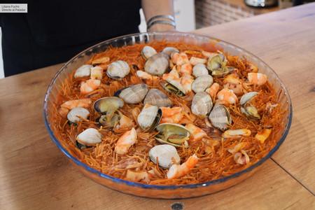 Tres recetas saludables que puedes preparar en el microondas: aperitivo, comida y postre