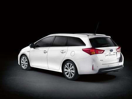 Toyota Auris Touring Sports 2013