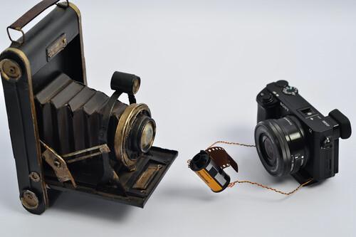 No, el salto de una réflex a una sin espejo no tiene nada que ver con lo que fue la transición de fotografía química a digital