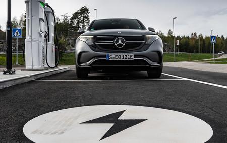El coche eléctrico podría acabar con 40.000 empleos en España y reducir el PIB en un 1,2 %, según un estudio