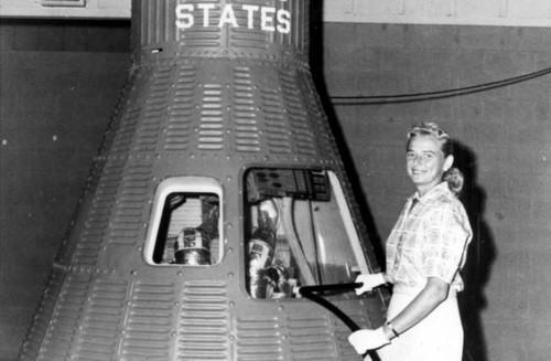 Las FLATs, la historia de cómo EEUU perdió la carrera espacial... femenina