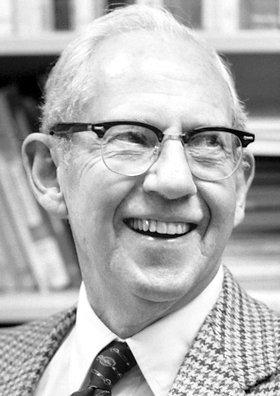 Economistas Notables: George Joseph Stigler