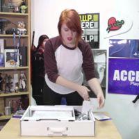 La PS4 blanca luce mejor que nunca en su unboxing junto a Destiny