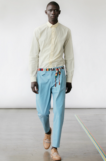 El boyante 'tailoring' colorido de Carlos Campos