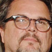 El guionista de 'Se7en', Andrew Kevin Walker, escribirá el remake de 'Forajidos'