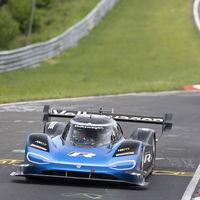 El Volkswagen ID.R bate el récord al coche eléctrico más rápido en Nürburgring Nordschleife: ¡6:05.336!