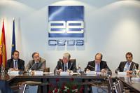 La CEOE mejora sus previsiones económicas, pero siguen siendo un desastre para el empleo