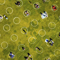 El aislamiento provoca soledad. Por eso las burbujas sociales pueden ser la salvación a largo plazo
