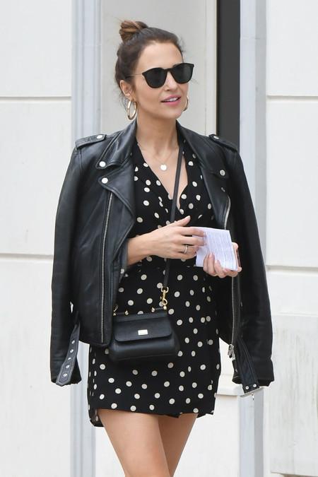 Paula Echevarría también dice si a los lunares y a Dolce & Gabbana por las calles de Málaga