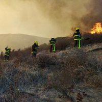 Zona de desastre por incendios en Rosarito, México: el fenómeno de los 'vientos de Santa Ana' son la clave de la catástrofe