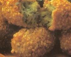 Croquetas de berro con patatas y almendras