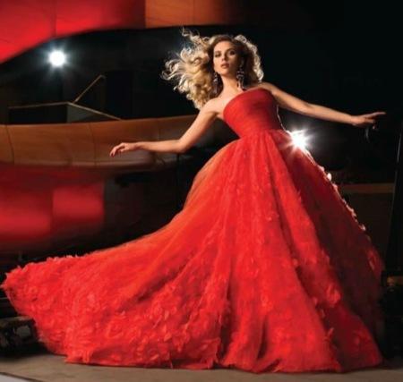 Scarlett Johansson sublime en el editorial para Harper