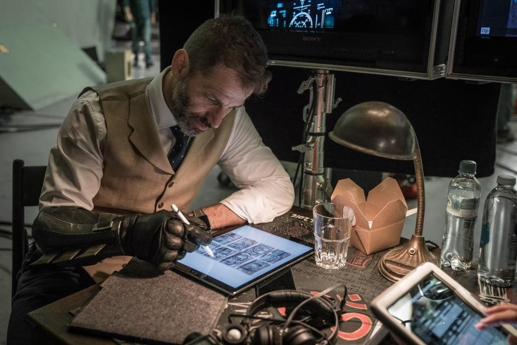 Zack Snyder trabajando en Justice League