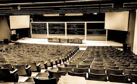Dime qué estudias y te diré si trabajas: Las carreras universitarias en las que se consigue trabajar de lo tuyo y las que no