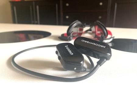 Al agua, con música: probamos los auriculares sumergibles Argoshybrid de Sunstech