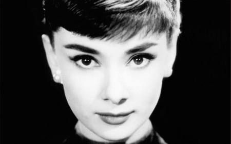 Eles Cosmetics Makeup Cat Eye Celebrities Audrey Hepburn