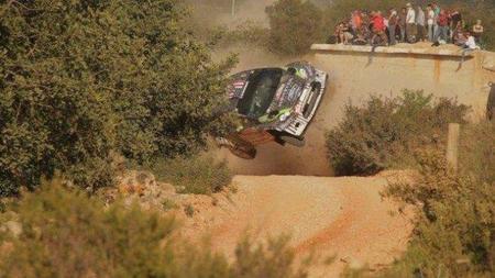 Rally de Portugal 2011: Sébastien Ogier es el más rápido y trasladan a Ken Block a un hospital tras su accidente