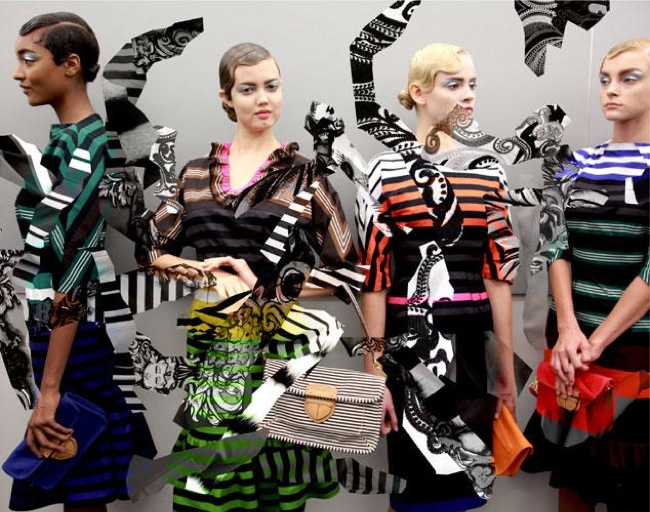 Foto de La fantasía de Prada junto a AMO en el lookbook Primavera-Verano 2011 (21/21)