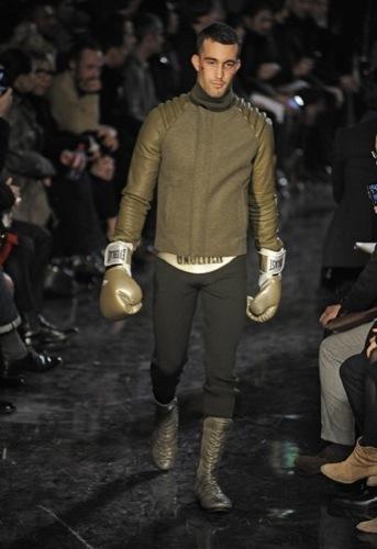 Jean Paul Gaultier, Otoño-Invierno 2010/2011 en la Semana de la Moda de París. Verdes