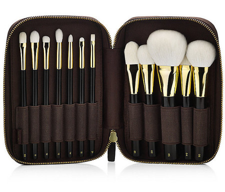 Tom Ford lanza un alucinante (y carísimo) set de brochas de maquillaje