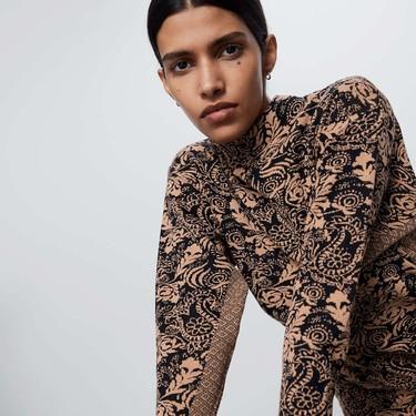 Siete vestidos jacquard de Zara perfectos para lucir a todas horas (durante todo el año)