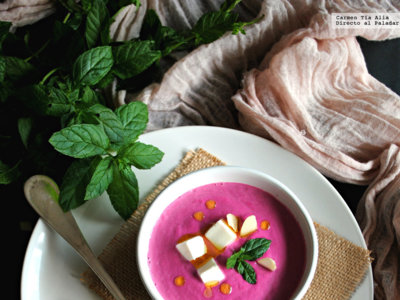 Receta de ajoblanco de remolacha. Una sorprendente sopa fría lista en 15 minutos