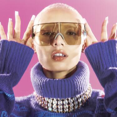 La nueva colección de H&M Studio nos traslada a la estética del 2000 con prendas de mucho volumen y encima sostenibles