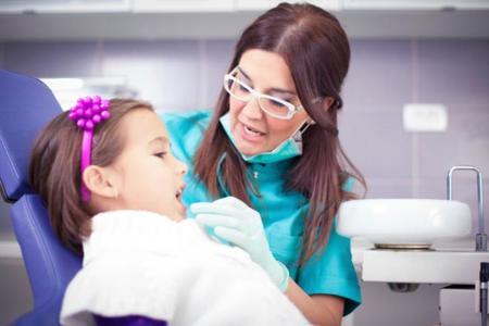 Revisión niño dentista