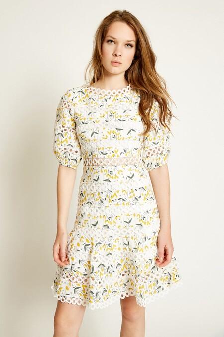 Te proponemos 7 vestidos románticos y boho de Poète para copiar el estilo de la infanta Sofía, y todos están rebajas