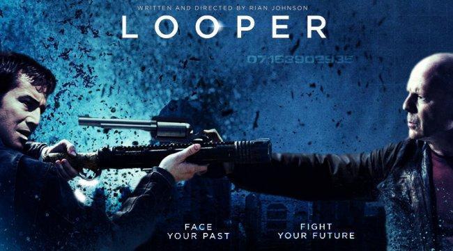 Imagen con el póster de 'Looper'