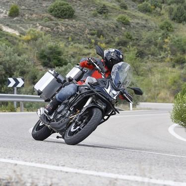 Probamos la Voge 500DS: una moto trail para el carnet A2 muy completa a precio de derribo