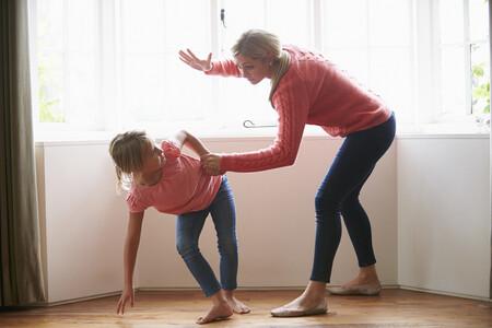 Los castigos físicos no corrigen ni mejoran el comportamiento de los niños, sino todo lo contrario