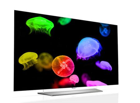 ¿Quién dijo que las pantallas OLED tenían que ser curvas? LG lanza sus primeras teles planas