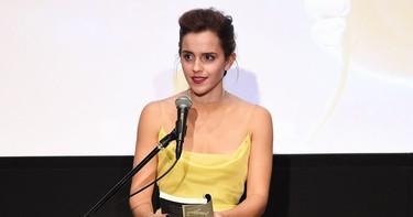 ¡Sin palabras! Emma Watson y Dior dan vida a Bella gracias al vestido amarillo de nuestros sueños