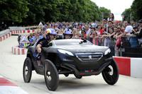 Stéphane Peterhansel ya entrena con un Peugeot 2008 DKR muy especial