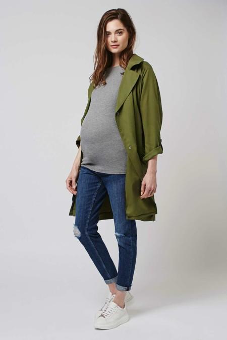 Los mejores look de entretiempo para ser la mamá más fashion