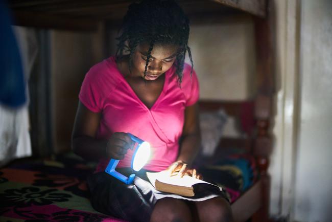 Mas Luz Natural Para Africa