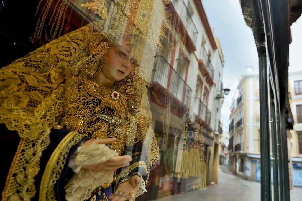 Misas en casa y procesiones de balcón a balcón: cómo será la Semana Santa bajo el confinamiento