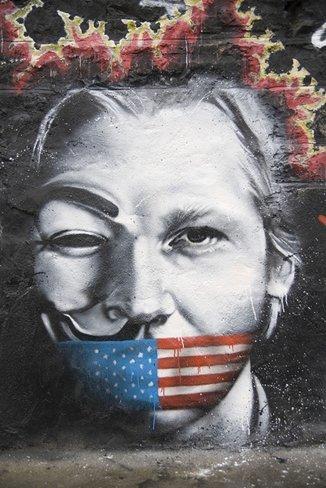 Miles de internautas respaldan la petición de asilo realizada por Julian Assange