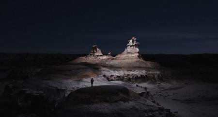Reuben Wu nos muestra enigmáticos y fascinantes paisajes mediante el uso de un dron como fuente de iluminación